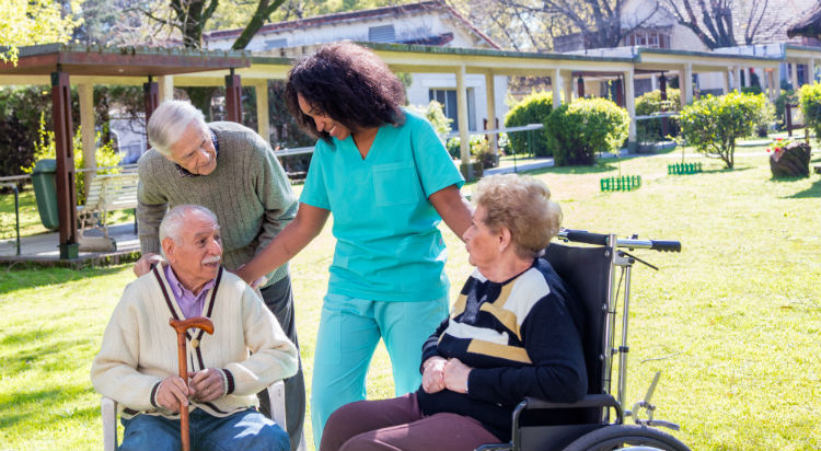 4 Steps To Choosing an Assisted Living Community in Tulsa