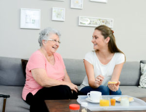 7 Tips for Helping Elderly Family Members Transition to Senior Living